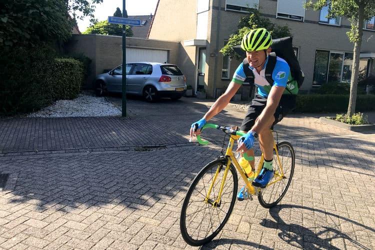 Fietskoerier Breda op racefiets